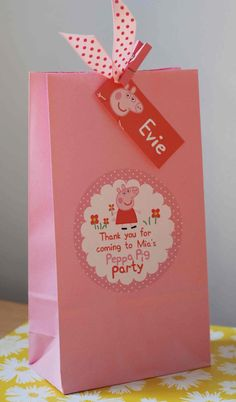 Your place to buy and sell all things handmade - Personalised Childrens PEPPA Pig GEORGE Pig by OrangePaperDuck Source by darlynel Pig Birthday, Little Girl Birthday, Cumple George Pig, Cumple Peppa Pig, Childrens Party Bags, Diy Birthday Decorations, Pig Party, Party Banners, Stationary