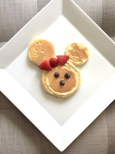 Minnie Mouse pancakes!