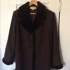 Vintage Albert Nipon 100% Wool Coat Vintage brown Albert Nipon 100% wool mid-length coat with faux fur collar and sleeve trim. Albert Nipon Jackets & Coats