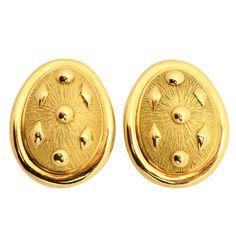 1stdibs | Schlumberger Gold Earrings