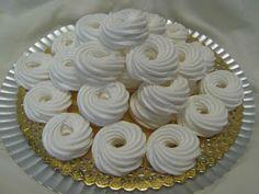 FarkasVilmos: Habkarika egyszerűbben Hungarian Desserts, Hungarian Recipes, Meringue Cookies, Pavlova, Diy Food, Christmas Cookies, Sweet Recipes, Fondant, Bakery