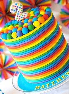 A rainbow cake is fun to look at and eat and a lot easier to make than you might think. Here's a step-by-step guide for how to make a rainbow birthday cake. Rainbow Parties, Rainbow Birthday Party, Birthday Cakes, 2nd Birthday, Birthday Ideas, Fancy Cakes, Cute Cakes, Beautiful Cakes, Amazing Cakes