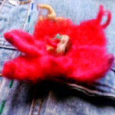 Brooch or hair pin. Unique Flowers, Red And Pink, Hair Pins, Best Gifts, Felt, Brooch, Handmade, Etsy, Vintage