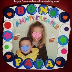 cadre bouchon pour l' anniversaire du papa Lison et Gaspard, une idée  pour aussi la fête des pères http://nounoudunord.centerblog.net/1004-cadre-bouchon-pour-anniversaire-du-papa-de-lison