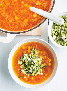 Soupe aux pois chiches et aux légumes racines Recettes   Ricardo