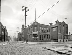"Detroit, Michigan, circa 1905. ""Goebel Brewing Co., bottling works."""