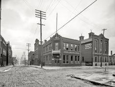 "Detroit, Michigan, circa 1905. ""Goebel Brewing Co., bottling works."""