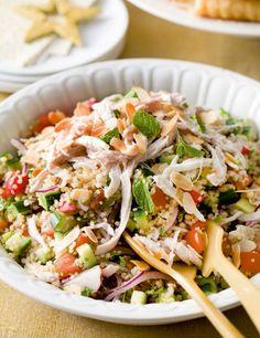 Quinoasalade met kip - Libelle Lekker Pasta Recipes, Salad Recipes, Salade Caprese, Tapas, Clean Eating, Healthy Eating, Healthy Recepies, Brunch, Happy Foods