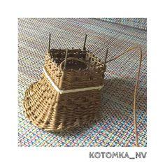 Dollhouse miniature furniture wicker tutorial #dollhouseminiature #miniaturefurniture #tutorials #wickerchair