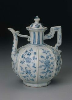 Covered wine ewer with blue-and-white decoration of floral scrolls  Chinese, Ming dynasty, Zhengde period, 1505–21