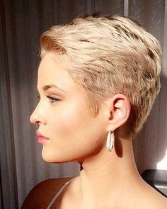 Cute Pixie Haircuts, Short Layered Haircuts, Thin Hair Haircuts, Haircut For Thick Hair, Pixie Hairstyles, Very Short Hair, Short Hair With Layers, Short Hair Cuts For Women, Short Hairstyles For Women