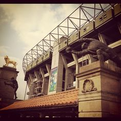 """See 1244 photos from 9351 visitors about match day, rugby, and scenic views. """"The home of English rugby was built on the site of a market garden in. English Rugby, Rugby Championship, Twickenham Stadium, Lions Gate, Market Garden, Greater London, Places Ive Been, Louvre, Building"""