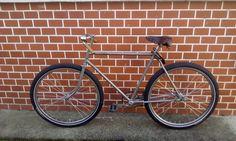 retro racer cycle ride