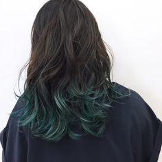 毛先だけグリーンもおしゃれ!ミディアムヘア YSO Hair Color Purple, Green Hair, Blue Hair, Black Hair Fade, Hair Inspo, Hair Inspiration, Oil Slick Hair Color, Short Hair Cuts, Short Hair Styles