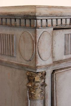 Eye For Design: Decorate With Grey Painted Chests.........French And Swedish Style.
