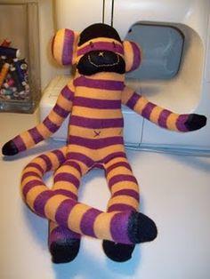 Mono hecho con calcetin
