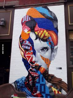 I thought this was very nice street art.