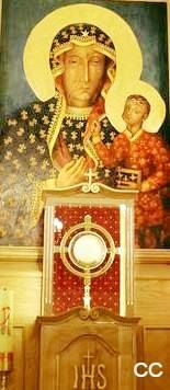 """""""Maria Regina Mundi,  Maria Mater Eclesiae,  Tibi Assumus...""""  (Today in the calendar Mother of God of the Snow  Adoration at the feet of the Madonna, the Queen of Polish, Kalisz, the oldest Polish town)  and in Rome  http://www.vatican.va/various/basiliche/sm_maggiore/vr_tour/Media/VR/St_Mary_Borghese_Chapel/index.html"""