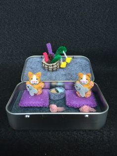 Itty Bitty Maties- Miniature felt cat in a tin play set by MatiesMeadow on Etsy https://www.etsy.com/listing/235165975/itty-bitty-maties-miniature-felt-cat-in