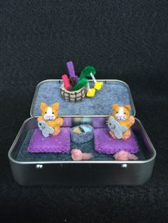 Itty Bitty Maties- Miniature felt cat in a tin play set by MatiesMeadow on Etsy https://www.etsy.com/listing/235165975/itty-bitty-maties-miniature-felt-cat-in