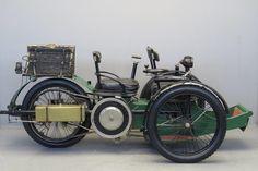 Старинный трицикл Leon Bollee Voiturette 1897