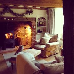Cosy wood burning stove inside an inglenook fireplace Cottage Living Rooms, Cottage Interiors, Home And Living, Style At Home, Hygge, Salons Cottage, Living Room Inspiration, Cabana, Lounges
