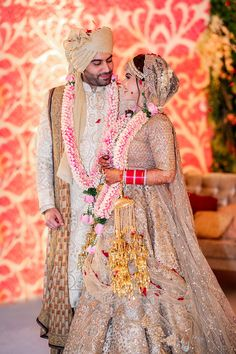 Neha and Pawan are getting married at The Ritz by FNP Gardens. Check out heart-accented real wedding photos, outfit & decor ideas. Bridal Portrait Poses, Bridal Poses, Bridal Photoshoot, Indian Bridal Photos, Indian Bridal Outfits, Indian Dresses, Couple Wedding Dress, Wedding Dresses For Girls, Outfits Quotes