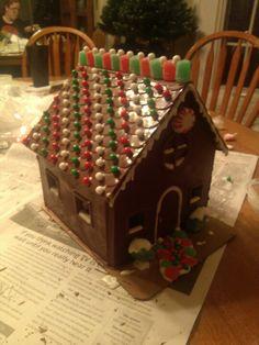 Chocolate house Chocolate House, Christmas Chocolate, Chocolate Gifts, Christmas Treats, Chocolate Covered, Christmas 2019, Christmas Home, Candy House, Craft Club
