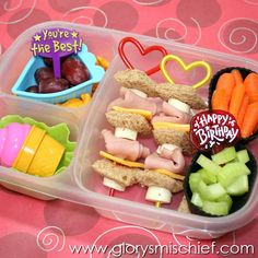 Cute and Healthy Happy Birthday Kids Lunch Kids Lunch For School, Healthy Lunches For Kids, Toddler Lunches, Lunch Snacks, Kids Meals, Healthy Snacks, Bag Lunches, Work Lunches, Kid Snacks