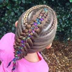 Mom Braids Incredibly Intricate Hairstyles Every Morning Before School | fascinately | fascinatingly shareable.