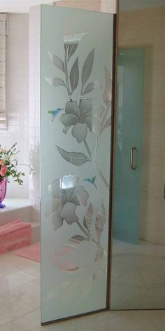 decorative etched glass free standing divider hibiscus hummingbirds Balcony Glass Design, Window Glass Design, Glass Partition Designs, Frosted Glass Window, Glass Barn Doors, Glass Front Door, Glass Shower Doors, Glass Bathroom, Glass Door