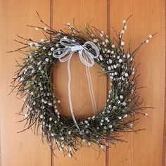 Easter Crafts, Grapevine Wreath, Basket Weaving, Grape Vines, Diy And Crafts, Christmas Wreaths, Holiday Decor, Spring, Baskets