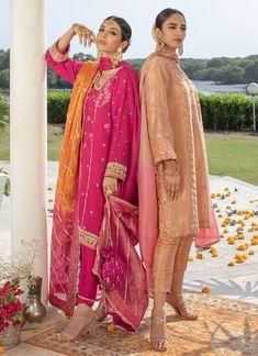 Farah Talib Aziz. Miria magenta kurta with embroidered silk dupatta Simple Pakistani Dresses, Pakistani Bridal Dresses, Pakistani Dress Design, Pakistani Outfits, Simple Dresses, Indian Outfits, Indian Fashion Dresses, Indian Designer Outfits, Anarkali Dress Pattern