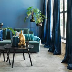 Textile and home decor Dark Lounge, Blue Lounge, Small Space Living, Small Spaces, Velour Sofa, Retro Lounge, Blue Cushions, Scandinavian Bedroom, Living Room Sofa