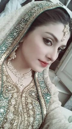 Gorgeous Click of Beautiful Ayeza Khan From Photo Shoot