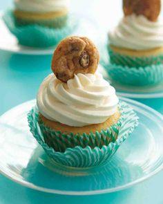 Simple Cupcake Recipes: Chocolate Chip Cookie Cupcakes