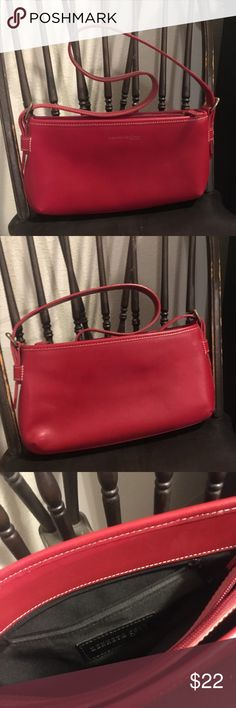 Kenneth Cole Purse Kenneth Cole red handbag. In great preowned condition. Smoke free home.  * Please check out my other listings. I ❤️ to give bundle discounts. Kenneth Cole Bags Shoulder Bags
