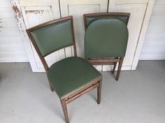 Vintage Stakmore Folding Chairs Mid Century Modern Style. Set Of 2