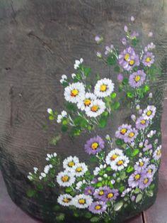 4번째 이미지 Pebble Painting, Tole Painting, Ceramic Painting, Fabric Painting, Painted Rocks, Hand Painted, Embroidery Flowers Pattern, Painted Wine Bottles, Decoupage Box