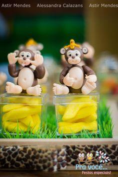Muitos pedidos, para que o blog encontrasse uma festa bem linda, com o tema Safari.Valeu a espera, uma festa encantadora!!!Festa decorada por Pra Você Festas Especiais.Lindas ideias e m...