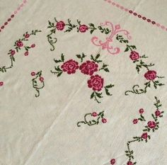 This Pin was discovered by Gul Prayer Rug, Luxury Interior Design, Vintage Roses, Embroidery Stitches, Cross Stitches, Cross Stitch Patterns, Bohemian Rug, Diy And Crafts, Shabby