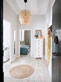 51 Ideas Flooring Ideas Hallway Mirror For 2019 Nordic Living Room, Living Room Decor, Bedroom Decor, Sinnerlig Ikea, Moraira, Hallway Decorating, Ikea Furniture, Dream Decor, Interior Design Inspiration