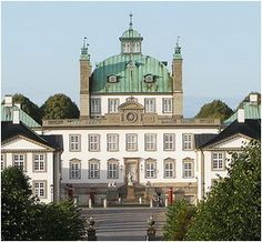 A beautiful example of Danish castles, Fredensborg Slot.