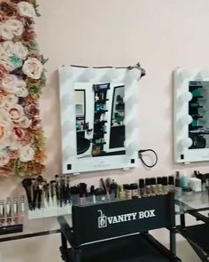 "4,140 Likes, 38 Comments - Impressions Vanity Co. (@impressionsvanity) on Instagram: ""How glamorous is @vanityboxbeautysalon 😍😍😍⠀ Featured mirrors: #impressionsvanityglamour"""