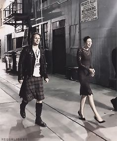 SAM AND CAITRIONA - MEETING FANS AT THE OUTLANDER LOT.  LOOK AT HIS EAGERNESS AND GENEROSITY IN DOING SO.  WHAT A BEAUTIFUL MAN.  INSIDE AND OUT.