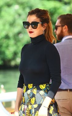 Hair Color, Mini Skirts, My Style, Flower Wallpaper, Beauty, Interior, Fashion, Dresses, Blanca Suarez