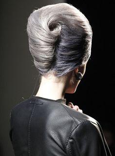 Beehive Hairstyles, Vintage Hairstyles, Bun Hairstyles, Wedding Hairstyles, Modern Hairstyles, 1960s Hairstyles, Evening Hairstyles, French Twist Hair, French Bun