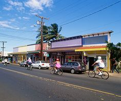 World's Coolest Surf Towns: Paia, Maui - LOVE this place.