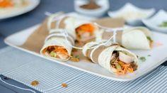 Wraps houmous, carottes, poulet {et plein d\'autres choses dedans!}