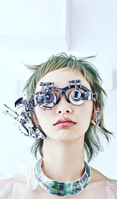 Gorgeous scrap-electronics wearable cyberpunk assemblages from Hiroto Ikeuchi / Boing Boing Arte Cyberpunk, Cyberpunk Fashion, Cyberpunk Aesthetic, Science Fiction, Character Inspiration, Character Design, 3d Character, Character Concept, 3d Art